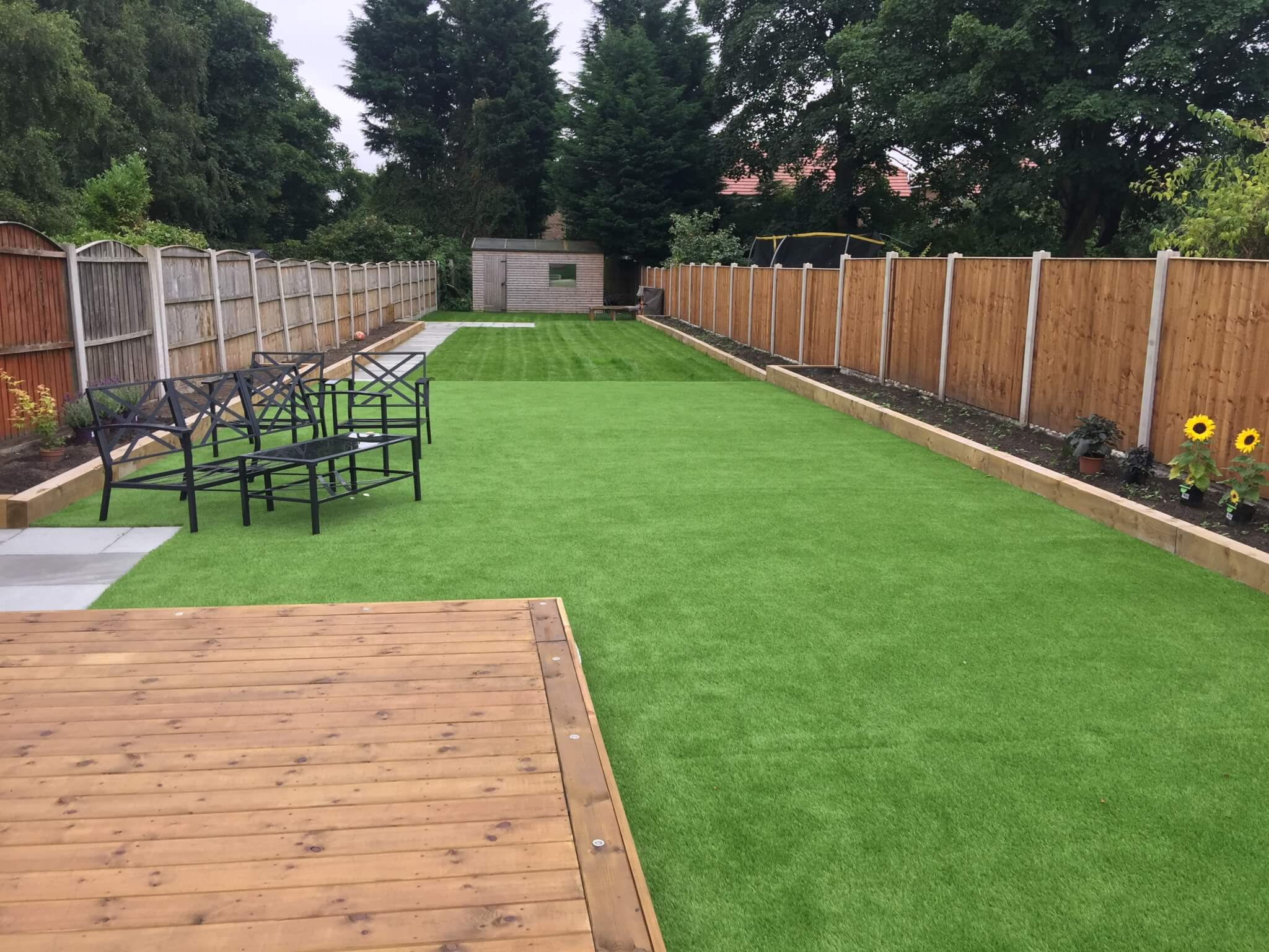Garden landscape standard decking and artificial grass for Garden ideas with decking and grass